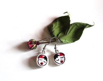Earrings with small black and Red damsel