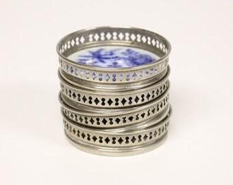 4 Vintage coasters with blue white ceramic decor-Brocante