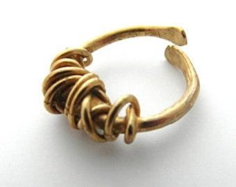 Fil Embale Brass Ring
