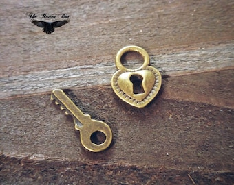 Lock and Key Charms Set Antiqued Bronze Keyhole Charms Key Charms Steampunk Charms Set of 2 pieces Heart Lock Charm Wholesale Charms