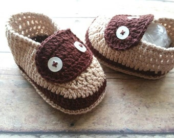 Baby brown crochet shoes - baby boy crochet shoes - fall crochet shoes - newborn boy crochet shoes - baby shower gift - holiday baby shoes