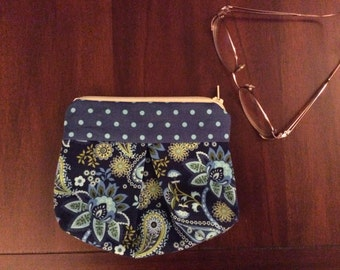 Adorable Zippered Pouch