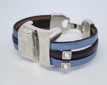 Cowhide leather bracelet with entrepieza in Zamak