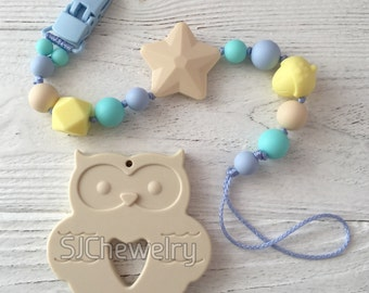 Silicone Owl teether with a pacifier chain
