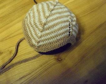 Merino wool cap for a newborn