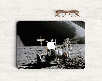 Astronaut Walking on The Moon System Sticker Skin Vinyl Decal for MacBook Laptop K0413