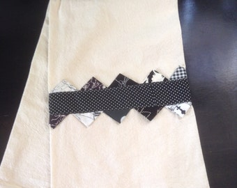 Prairie Point Dish Towel--Black and White