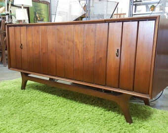 Mid Century Modern Zenith  Stereo Cabinet Sound System Console Record Player Radio Credenza
