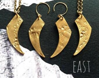 Uncanny Claw earrings/ Bronze/ East