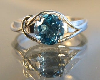 Minuet - Blue Topaz gemstone ring
