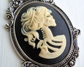 Victorian Cameo Setting with Cameo - 40mm Metalized Plastic Antique Silver Victorian Cameo Setting and Lolita Jet Cream Cameo (GG - 7)