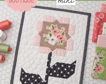 MINI Cottage Blossoms mini quilt pattern from Lella Boutique