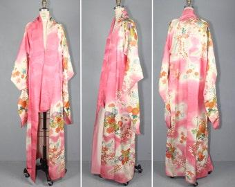 1950s kimono / furisode / silk robe / SUGAR COATED vintage floral kimono