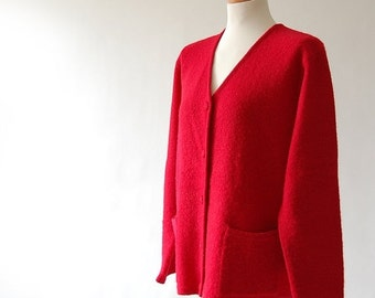 sale classic vintage Cardigan sweater / Cherry Red wool knit jumper / Pockets / oversized Relaxed Boxy Fit / reverse knit M L