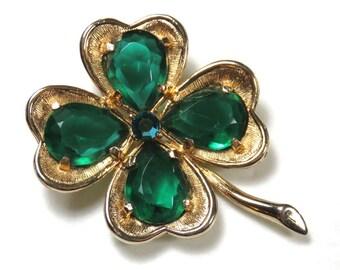 SJK Vintage -- Mid Century Emerald Green Rhinestone and Gold Tone Four Leaf Clover Brooch, Lucky, Irish (1950's-70's)
