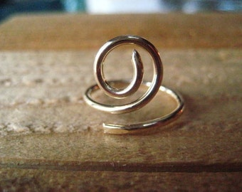 Gold Swirl Ring, Hand Forged Ring, 14k Gold Fill, Hand Formed, Size 7 Ring, Gold Filled Wire, Womens Jewelry, Stacking Ring, candies64