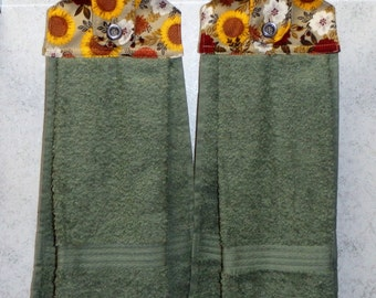 SET of 2 - Hanging Cloth Top Kitchen Hand Towels - Sunflowers and Mums Print - Sage Green Towels