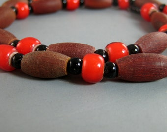 Horn Hairpipe and Red Trade Bead Choker Necklace