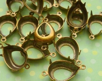 Christmas in July Sale - Brass Settings - 15x11mm Two Loop Pear (22-3F-6)
