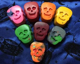 8 Skull Crayons - Halloween Treats