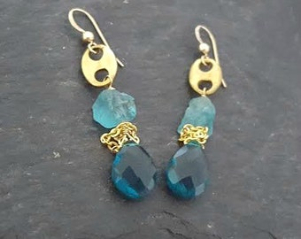 Raw Stone Earrings, Raw Stone Jewelry, Teal Gold Dangle Drop Earrings, Raw Blue Apatite, Gold Vintage Raw Brass, Ocean Blue