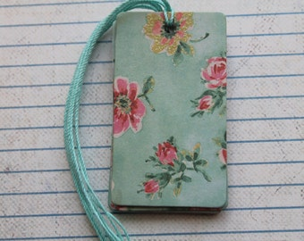 28 vintage style glitter flowers turquoise colorwash  patterned paper over chipboard gift tags