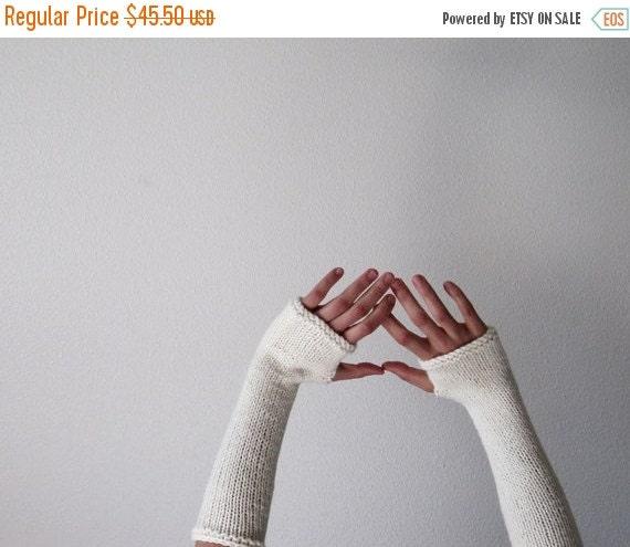 Prefall Sale CREAM Woolen Fingerless Gloves / Arm  Warmers - Made to Order hand knit in fleece white pure wool - Women's Fall & Winter Acces