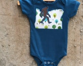 Bigfoot Walks Oregon State -  Short Sleeve Baby Bodysuit for Boys or Girls - Fun Sasquatch Gift for Birthdays, Baby Showers and Photo Shoots