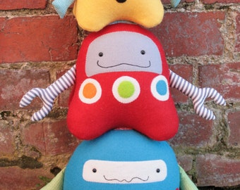 Stacks On Robots :  robot sewing pattern, robot PDF, plush robot,robot family,  robot softie, robot toy, easy sewing pattern