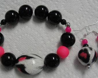 Wild Black White Pink Beaded Bracelet and Matching Earrings REDUCED