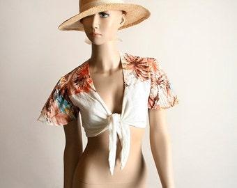 ON SALE Vintage Crop Top - 1970s Novelty Print Cotton Gauze Waist Tie Blouse - Small