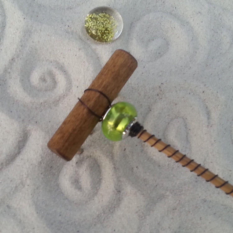 Mini tabletop zen garden rake glass peridot for Table zen garden