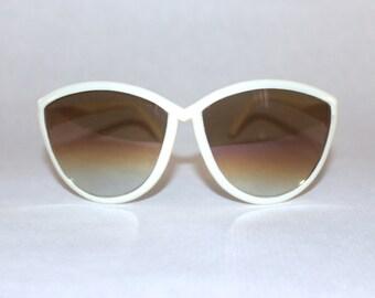 MOD 1980s WHITE vintage oversized Sunglasses
