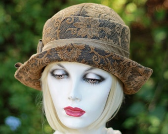 Womens 20's Cloche Hat Great Gatsby, Downton Abbey Fall Winter Style Gold Black Tapestry
