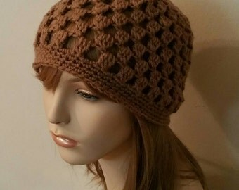 Crochet Beanie Cloche Hat in Cafe Latte