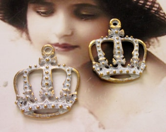 Frosted White Patina on Antique Brass Ornate Crown Penedants 2090WHTGOL x2