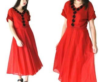 1950s red swing dress 50s vintage floral embroidery full skirt new look PARTY dress