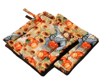 Handmade Quilted Pot Holders Set of 2  Autumn Fall  Pumpkins Scarecrow Sunflowers