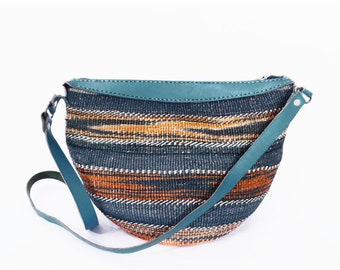 vintage SISAL bucket bag // 90's woven straw and leather purse // jute southwest boho bag // SUNSET colors