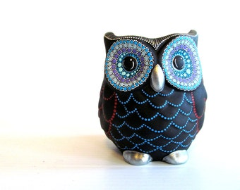 Owl Vase: Small hand painted ceramic Owl vase or pencil holder