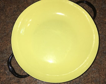 1960's Caravelle Sizzling Servers Enamelware Dish in Yellow