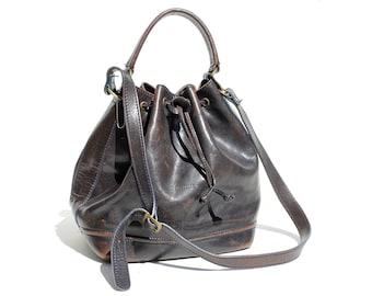 Vintage Italian Black Leather Bucket Bag / Hand or Shoulder Bag