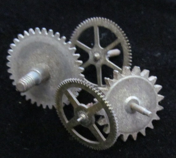 Antique Wheels And Gears : Steampunk supplies large watch clock parts cogs gears