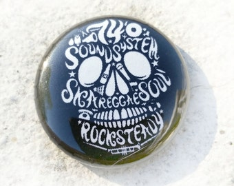 Sound System Skull 1 inch Button