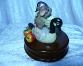 Musical Figurine - Mouse and Goose