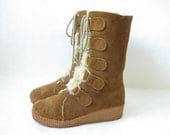 Vintage 80's Brown Suede Shearling Boots. Size 7