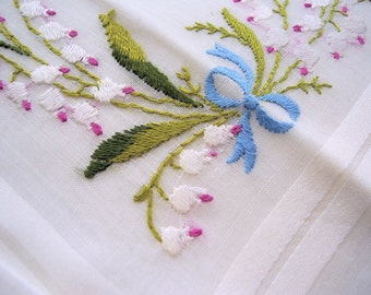 Vintage Floral Emroidered Handkerchief emboidered flowers