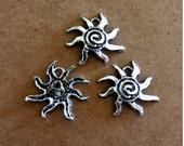 5 Sun Charms - Antique Silver - SC241 #MG