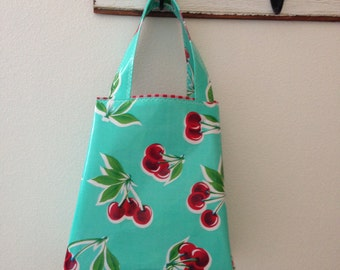 Beth's Pint Size retro cherries Oilcloth Market Sac Tote