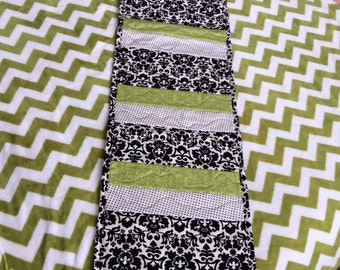 Table runner-quilted table runners-peiced table runners-black table runner-damask table runner